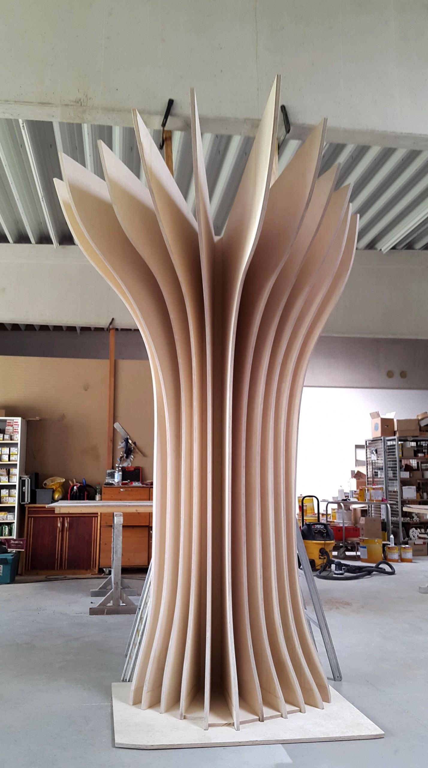 Bio-Shop-Natur-Design-Baum-bionisch-Regal