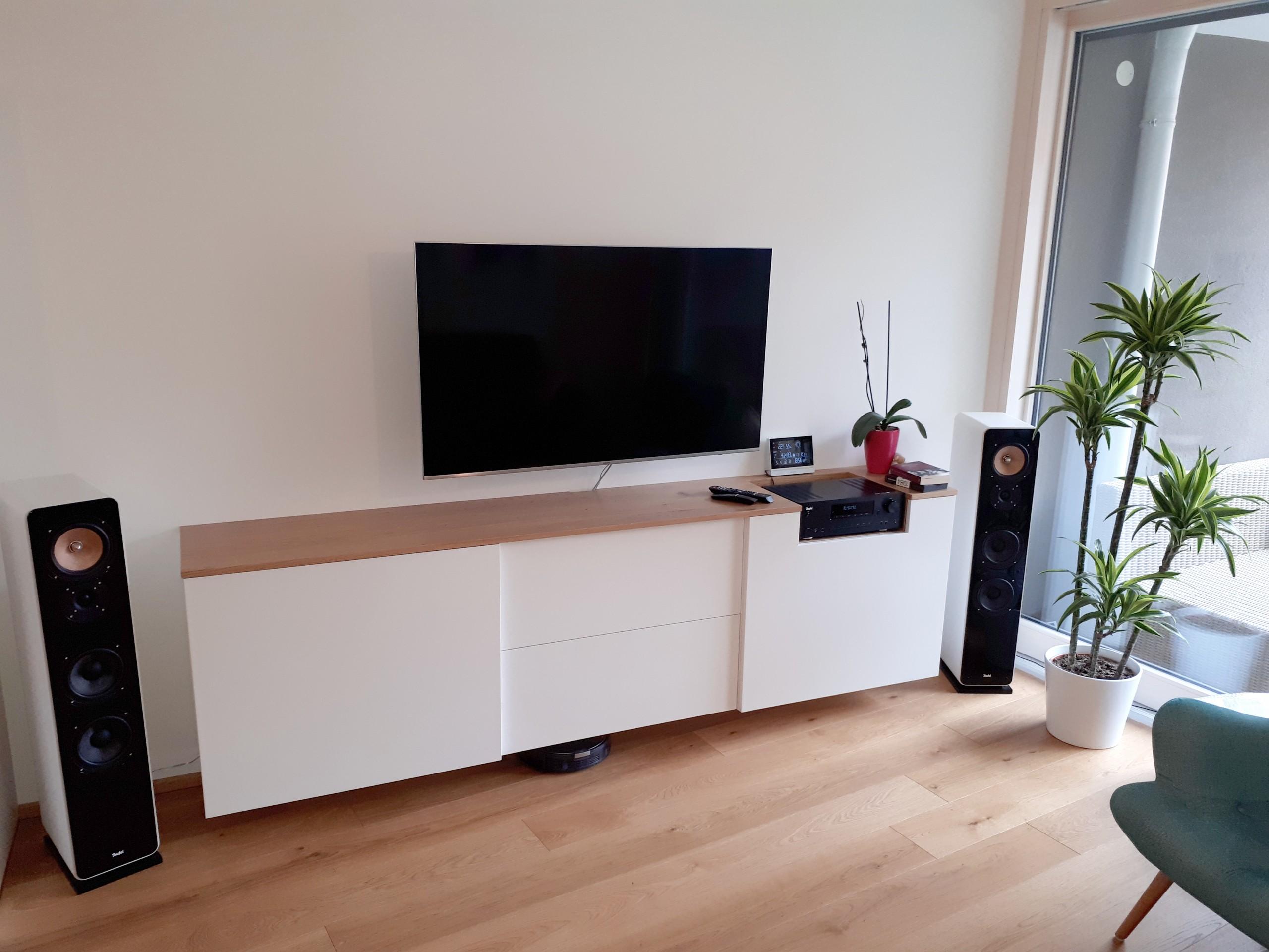 Haus-4-Kommode-Fernsehschrank-Eiche-weiß-lackiert1