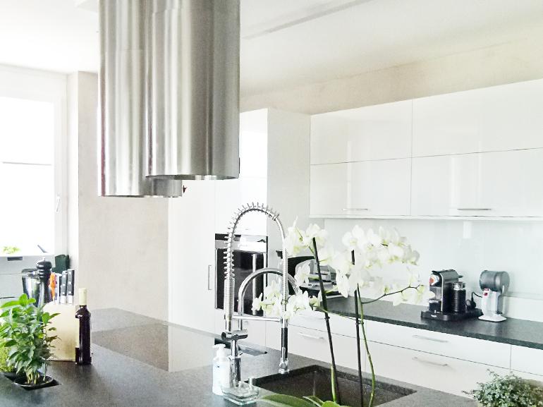 Küche-weiß-Hochglanz