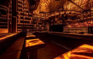 Bar-Club-Wien-Massivholz-gebeizt-lackiert4
