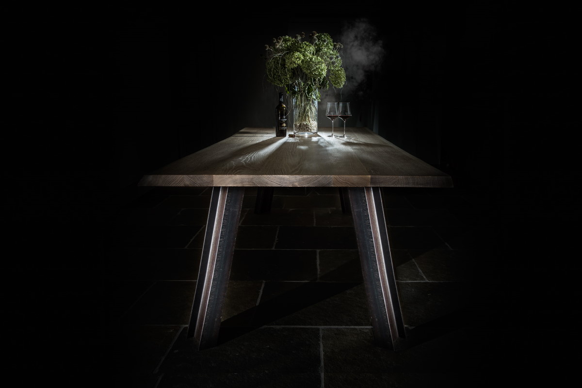 Tisch-Eiche-massivMetallbeine-I-Träger2